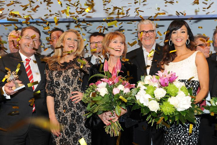 Fernsehproduzent Hubertus Meyer-Burckhardt moderiert erstmals Felix Burda Award. Engagement trifft auf Glamour im Hotel Adlon.