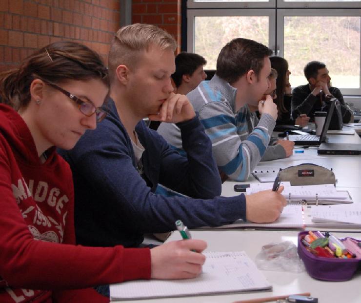 IHK Prüfung 2013 - 15 neue Consulting Assistants im Rhein Main Gebiet
