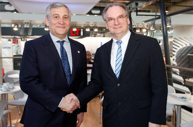 Sachsen-Anhalts Ministerpräsident Dr. Reiner Haseloff trifft Vizepräsidenten der Europäischen Kommission Industriekommissar Antonio Tajani auf der Hannover Messe