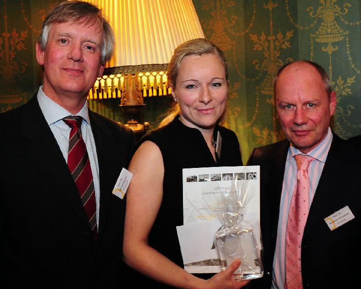 Leonardo & Co. Award 2012: HHL-Absolventin gewinnt Preis für beste Abschlussarbeit