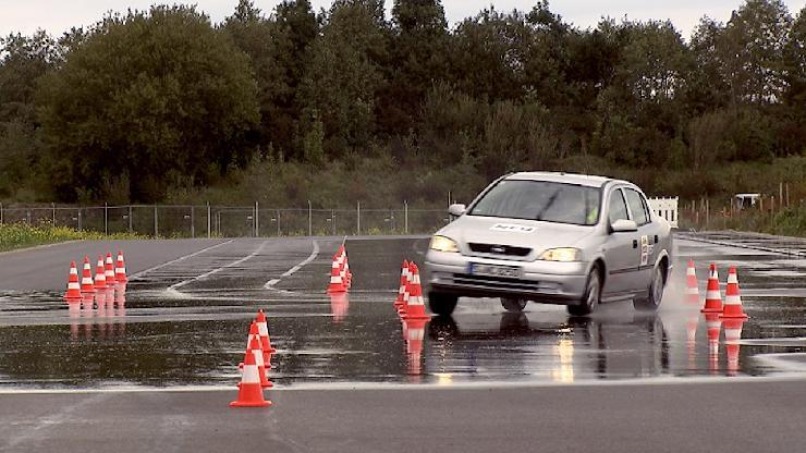 GTÜ: Alte und abgefahrene Reifen sind gefährlich