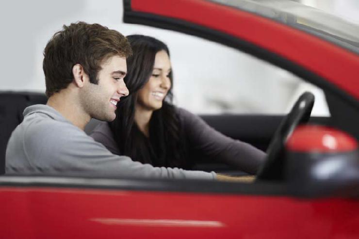 Studie: Junge Neuwagenkäufer stehen auf Klein- und Kompaktwagen