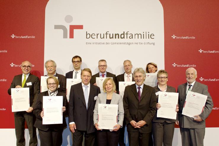 Frankfurter Rotkreuz-Krankenhäuser für familienbewusste Personalpolitik ausgezeichnet
