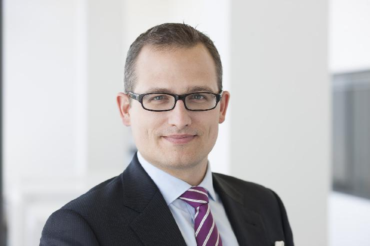 Porsche Supports Chair of Strategic Management and Family Businesses at HHL