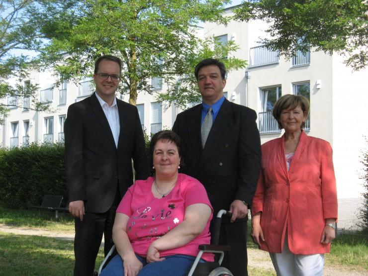 Bezirksrätin Hiltrud Broschei und MdL Markus Rinderspacher, beide SPD, besuchten den Dystonie Treff online e.V.