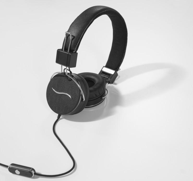 Einzigartiges Klangerlebnis und ausgefallene Designvariationen: hi-Fun präsentiert den hi-Deejay Kopfhörer