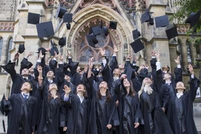Graduierungsfeier an Deutschlands ältester BWL-Uni.