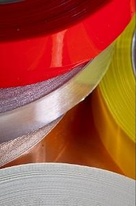 Kostenvorteile nutzen durch externe Dienstleister am Beispiel von Folienbeschichtungen