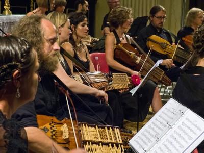 Nyckelharpa ENCORE - ein ungewöhnliches europäisches Orchesterprojekt