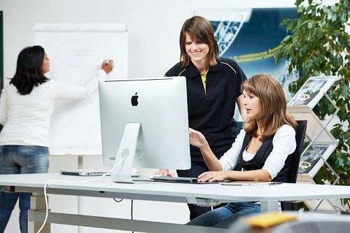 Frauen und Technik - bei SKIDATA ein voller Erfolg