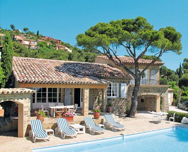 Die 800 schönsten Ferienhäuser von INTER CHALET: Ab sofort buchbar bis April 2015.