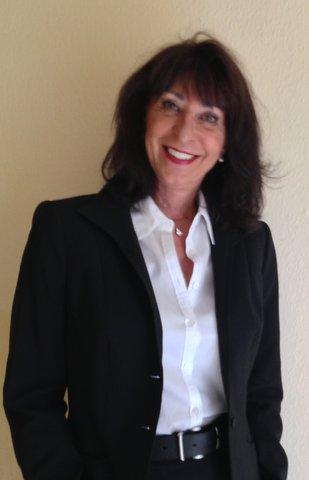OnlineMedienStrategin Gitta Schweitzer macht deutlich, wie vorteilhaft der Expertenstatus ist.