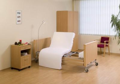 Senioren- und Pflegebetten mit individueller Ausstattung vom Betten-Spezialisten Vitalusmedical aus Köln.