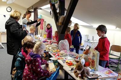 Friedrich Wilhelm Raiffeisen-Schule veranstaltet Flohmarkt für brasilianisches Kinderdorf