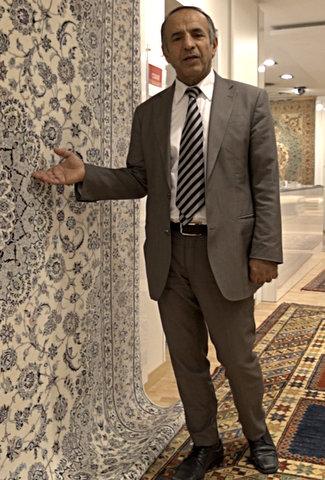 Teppichexperte Djalaleddin Esfahani in Bad Homburg zeigt, dass exzellenter Service sich auszahlt