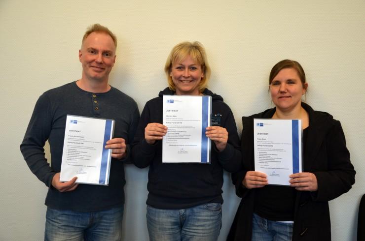 Rating-Fachkräfte der Fernschule Weber bestehen IHK-Zertifikatstest mit ausgezeichneten Leistungen